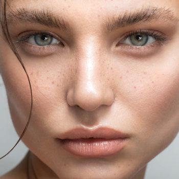 Как эффективно выровнять рельеф кожи лица